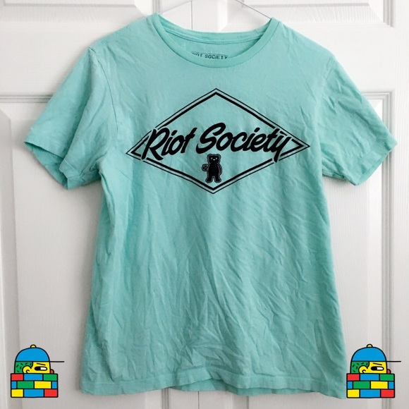 riot society Other - Boys tee graphic shirt bundle: vans, quiksilver